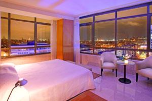 El Hotel Torre Catalunya muestra la Barcelona más romántica en una luna de miel de altura