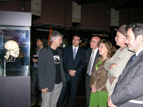 Castilla y León inaugura en Barcelona la exposición Tesoros de Atapuerca, los fósiles originales