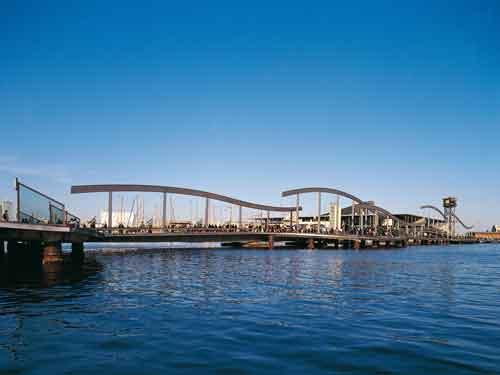 Rambla de Mar - Port Vell. © Turisme de Barcelona / Espai d'Imatge