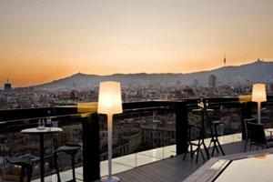 Verano con vistas 360º desde la terraza del Hotel Barceló Raval