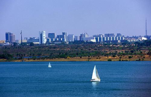 Brasilia celebra su 49 cumpleaños