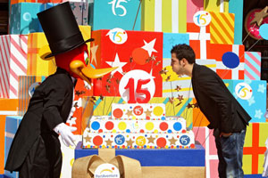 Cesc Fàbregas celebra en PortAventura el 15 aniversario del parque temático