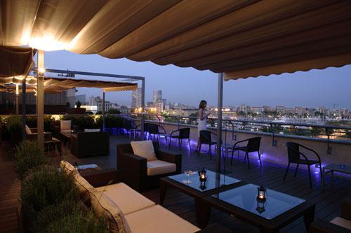 La terraza Brisa del Mar del Hotel Duquesa de Cardona estrena su temporada de verano