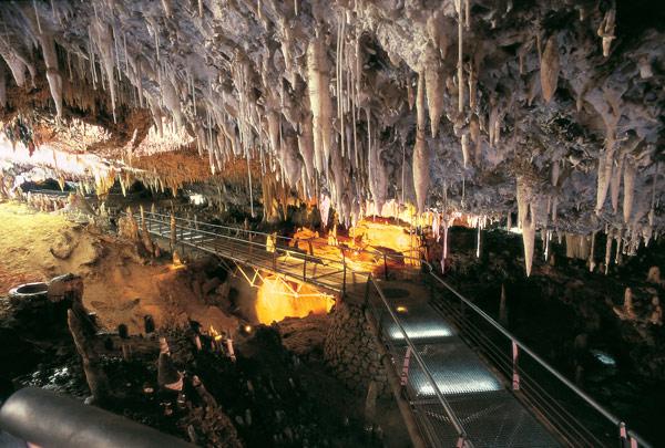 Descubiertos 1.500 metros de cueva virgen en El Soplao, Cantabria