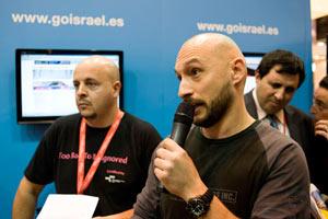 El fotógrafo Joan Vendrell durante su intervención