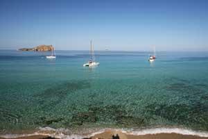 Playa tranquila de Ibiza