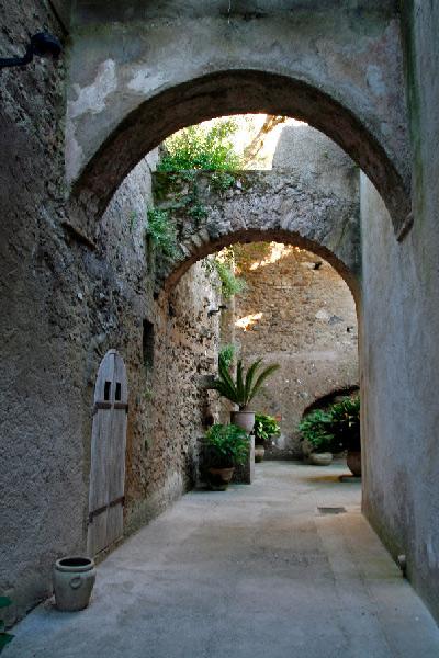 Interior del Castillo aragonés de Ischia