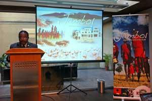 El embajador de Kenia en España, Mwakai K. Sio, en un momento de la presentación
