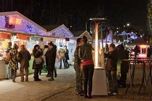 Mercado de Navidad en los Campos Elíseos © Paris Tourist Office - Photographer : Amélie Dupont