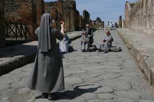 Visitar Pompeya y Herculano de noche