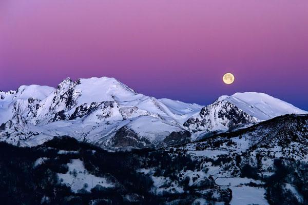 """La Montaña Central de Asturias presenta la guía de nieve """"Montaña Central en todas las estaciones"""""""