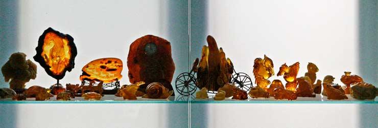 En el Museo del Ámbar de Nida hay una gran exposición de piezas y joyas de ámbar