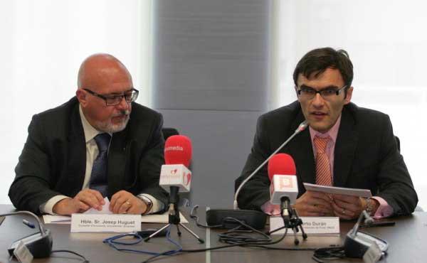 El consejero de Innovación, Universidad y Empresas de la Generalitat Catalana, Josep Huguet i Biosca y el vicepresidente 1º ejecutivo de la Fundación ONCE, Alberto Durán