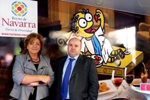 Pie de foto: Carmen Oroz, Directora de Servicio de Marketing y desarrollo de Productos Turísticos y Nacho Calvo, Secretario General de la Asociación de Hostelería de Navarra