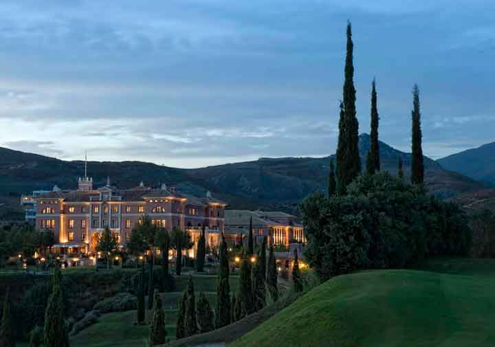 Especial Semana Santa: escapada familiar al Hotel Villa Padierna de Marbella