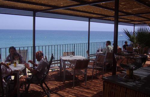 El Hotel Doña Pakita inaugura su terraza de verano
