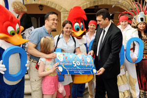 Portaventura ha dado hoy la bienvenida al visitante 50 millones