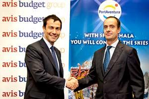 Izquierda, consejero delegado de Avis Budget Group España, Massimo Marsili. Derecha, el director general de Port Aventura, Fernando Aldecoa
