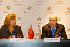 Carmen Oroz, Directora del Servicio de Marketing Turístico, y Nacho Calvo, Secretario General de la Asociación de Hostelería de Navarra.