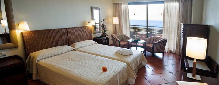 Puerto Antilla Grand Hotel, un rincón tropical en la soleada playa de Islantilla