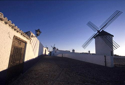 La Ruta del Vino de La Mancha propone una escapada desde 50 euros para conocer la tierra del Quijote