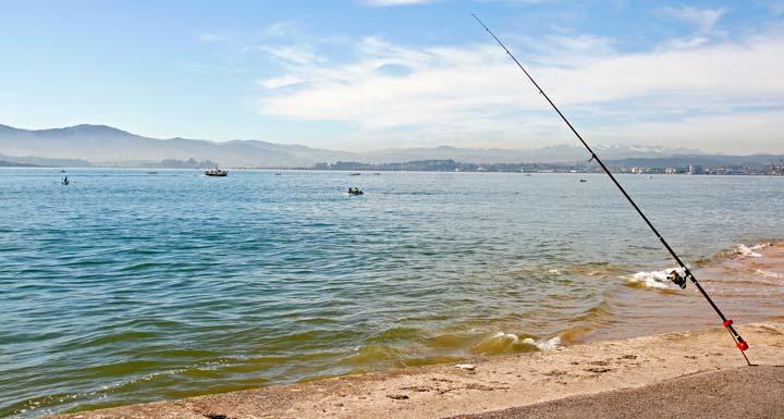Playa de los Peligros, una de las once playas santanderinas