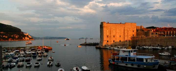 Atardecer en el puerto de Dubrovnik