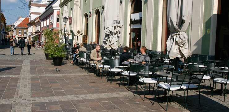 Terraza en la Plaza Mayor de Maribor
