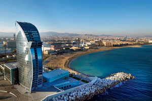 """El hotel W Barcelona da la bienvenida a """"los diseñadores del futuro"""""""