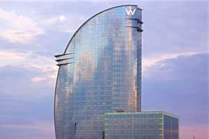 El hotel W Barcelona celebra de nuevo a oscuras la Hora del Planeta de WWF