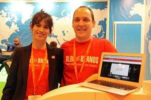 En la foto Haritz Rodríguez y Rebeca Rodríguez, fundadores de Blog on Brands. © Víctor Ferrando / Fotoescapada.com