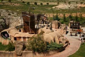 Dinópolis acogerá en 2013 al visitante dos millones