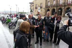 Gijón Moto Vía Card, una tarjeta descuento para moteros que hacen la Ruta de la Plata