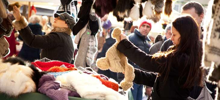 En el Mercado de Navidad de Cracovia se pueden comprar productos de todo tipo/Foto: Oficina Nacional de Turismo de Polonia