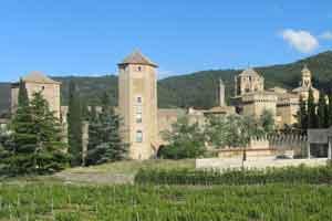 Nueve experiencias para conocer el Monasterio de Poblet