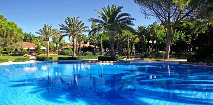 Las piscinas del Camping Playa Montroig son espectaculares