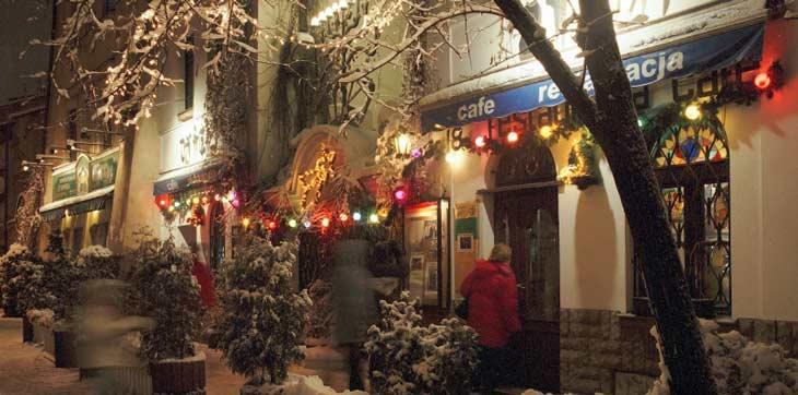 Restaurante de Cracovia adornado con la típica decoración navideña/Foto Oficina Nacional de Turismo de Polonia