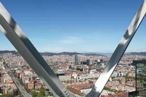 El Hotel Arts Barcelona propone conocer la Ciudad Condal en exclusivos coches de época
