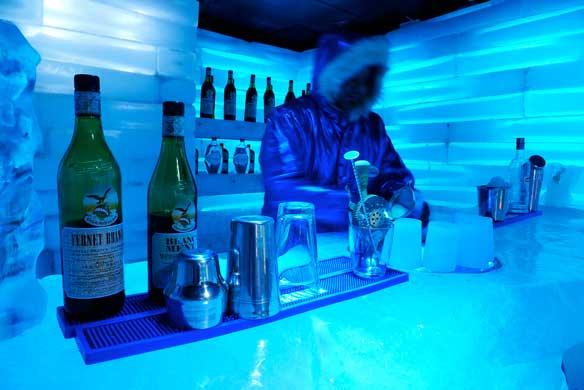 Glaciobar, el bar helado de Glaciarium