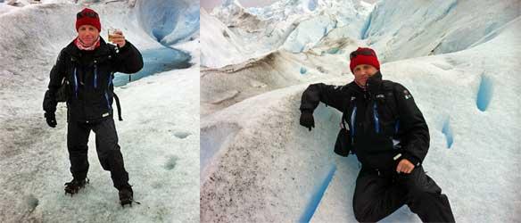 Juan Coma tomando un refrigerio en el glaciar