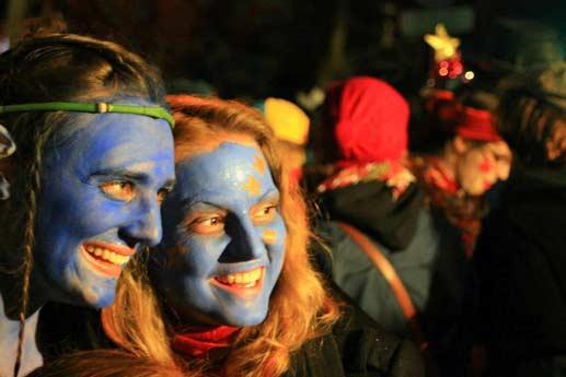 Instantánea del desfile inaugural del evento Lille 3000 © OT Lille
