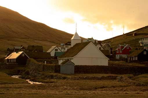 Localidad de Sandur, en las Islas Feroe © Yassine Ouhilal