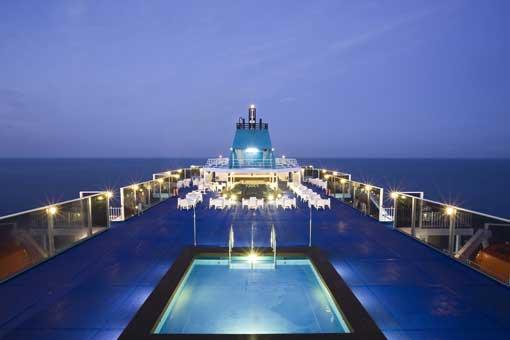 Viajar en los barcos de baler ria for Piscinas j martin caro
